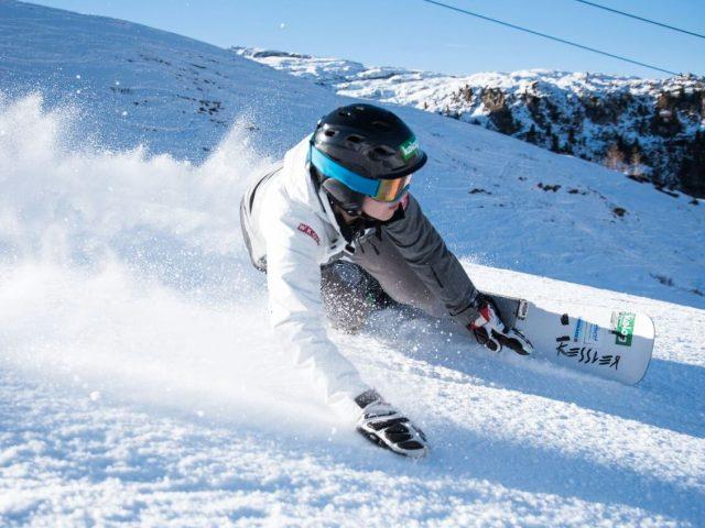 Cortina lädt zur Snowboardparty